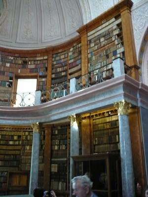 089 könyvtár.JPG - small