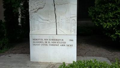 13. Kitelepítési emlékmű.jpg - small